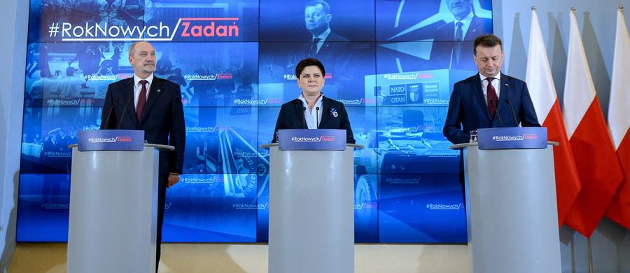 Oczekuję od MON i MSWiA działań, które wzmocnią realne bezpieczeństwo Polaków - powiedziała Beata Szydło po spotkaniu z szefami obu resortów. Premier podziękowała też szefom obu resortów za przygotowanie ubiegłorocznych wydarzeń: Światowych Dni Młodzieży oraz szczytu NATO.