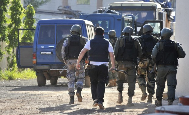 Co najmniej 47 osób zginęło, a 115 zostało rannych w zamachu samobójczym koło bazy wojskowej w Gao, na północy Mali. Wśród ofiar śmiertelnych jest pięciu zamachowców.