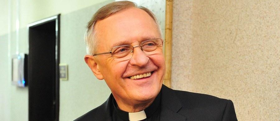 Od kilku tygodni biskup Edward Dajczak zmaga się z poważnymi problemami z kręgosłupem. Duchowny prosi o modlitwę i zapewnia, że pamięta o swojej diecezji koszalińsko-kołobrzeskiej.