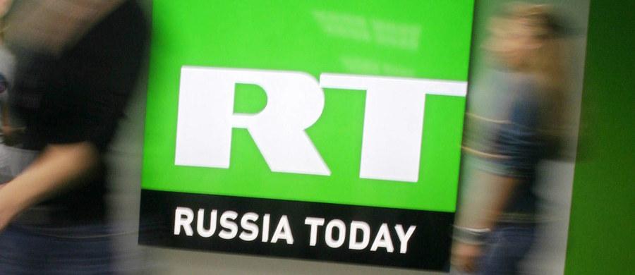 Rosyjska telewizja propagandowa RT (dawniej Russia Today) poinformowała, że Facebook tymczasowo zablokował jej zamieszczanie materiałów medialnych i linków, co oznacza, że nie będzie mogła tam transmitować zaprzysiężenia Donalda Trumpa.
