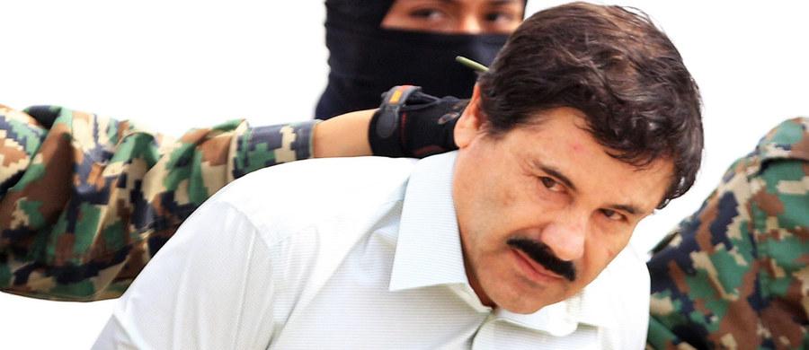 """Joaquin """"El Chapo"""" Guzman, jeden z najpotężniejszych meksykańskich baronów narkotykowych trafił do Stanów Zjednoczonych - poinformował meksykański rząd. USA oskarżają go m.in. o zabójstwa, kierowanie gangiem i pranie pieniędzy."""