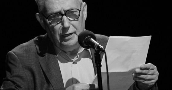 Nie żyje Wojciech Młynarski. Niezapomniany bard, poeta, satyryk i artysta kabaretowy. Autor tekstów do ponad 2 tysięcy piosenek 26 marca skończyłby 76 lat. Młynarski miał poważne problemy z sercem. W ubiegłym roku, po nagłym pogorszeniu stanu zdrowia, przeszedł operację.