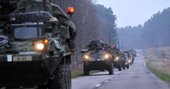 Kolejny wypadek amerykańskich żołnierzy w Polsce. W Trzebowie koło Żagania półciężarówka armii USA zderzyła się z busem. Ranne zostały dwie osoby.