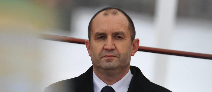 Bułgarski prezydent Rumen Radew wydał dekret, w którym rozwiązuje od 27 stycznia parlament i rozpisuje przedterminowe wybory parlamentarne. Odbędą się one 26 marca.