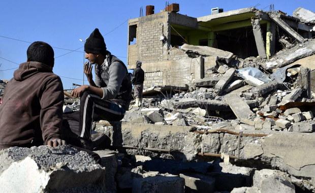 """Premier Iraku Hajder al-Abadi potwierdził, że całą wschodnia część Mosulu jest już w rękach rządowej armii. """"Nie byłoby to możliwe (...) bez jedności wśród wszystkich Irakijczyków"""" - powiedział."""