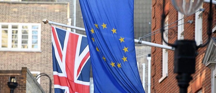 """Brytyjski minister odpowiedzialny za wyjście Wielkiej Brytanii z Unii Europejskiej David Davis zapowiedział, że rząd """"w najbliższych dniach"""" przedstawi projekt ustawy, która pozwoli na uruchomienie procesu opuszczania Wspólnoty."""