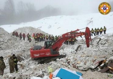 """Nowy bilans lawiny w Abruzji: 23 ofiary, 6 zaginionych. """"Hotel stał się grobowcem"""""""