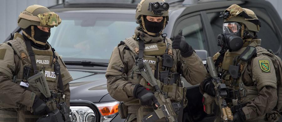 Niemiecka policja weszła rano do 12 mieszkań w całych Niemczech. To była obława na grupę prawicowych ekstremistów, działającą od wiosny 2016 roku.
