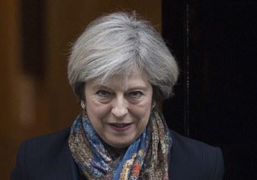 """Theresa May ugięła się pod presją opozycji. """"To spore zaskoczenie"""""""