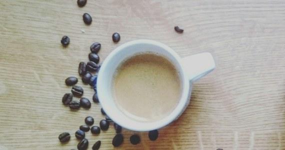 Uniwersytet w angielskim mieście Newcastle został ukarany grzywną 400 tysięcy funtów. Dwóch jego studentów o mało nie przypłaciło życiem eksperymentu, który miał zbadać wpływ kofeiny na organizm człowieka.