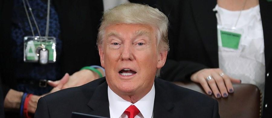 Prezydent USA Donald Trump napisał na Twitterze, że jeśli prezydent Meksyku Enrique Pena Nieto nie akceptuje decyzji USA ws. budowy muru na granicy i nie chce za niego zapłacić, niech odwoła planowaną podróż do Waszyngtonu.