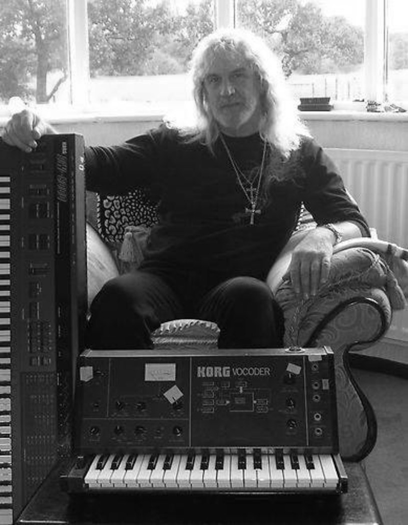 Po śmierci brytyjskiego klawiszowca Geoffa Nichollsa, jego koledzy z grupy Black Sabbath oddali mu hołd w mediach społecznościowych.