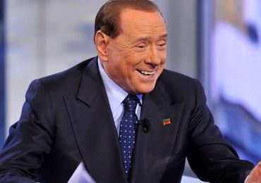 """Berlusconi znów stanie przed sądem. """"Wypłacał pieniądze uczestniczkom bunga bunga"""""""