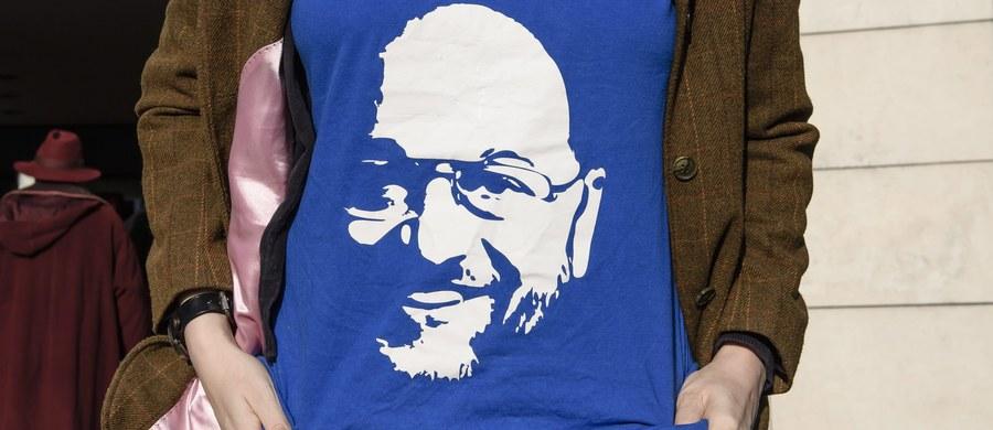 Zarząd SPD oficjalnie nominował byłego szefa Parlamentu Europejskiego Martina Schulza na kandydata partii na kanclerza. Schulz będzie rywalem Angeli Merkel w walce o fotel kanclerza w wyborach do Bundestagu 24 września tego roku.