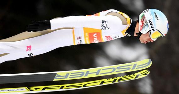 Kamil Stoch, który w niedzielnym konkursie Pucharu Świata w skokach narciarskich w Willingen był piąty, pozostaje liderem listy płac. Po 15 konkursach indywidualnych i trzech drużynowych na jego koncie jest 118 300 franków szwajcarskich (ok. 508 tys. złotych).