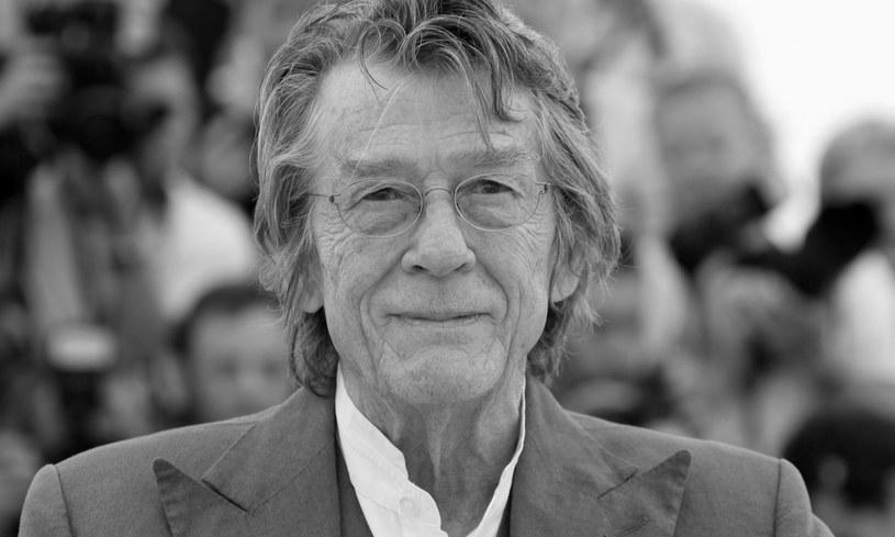 """John Hurt nie żyje. Brytyjski aktor, znany z filmów """"Obcy - 8. pasażer Nostromo"""", """"Indiana Jones i królestwo kryształowej czaszki"""" czy serii o Harrym Potterze, zmarł 27 stycznia w Londynie. Miał 77 lat."""