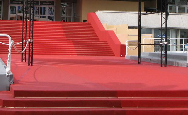 """Reżyser Pedro Almodovar będzie przewodniczącym jury 70. festiwalu filmowego w Cannes - ogłosili organizatorzy. Almodovar, nagrodzony Złotą Palmą za dramat """"Wszystko o mojej matce"""", będzie pierwszym Hiszpanem, który stanie na czele jury konkursu."""