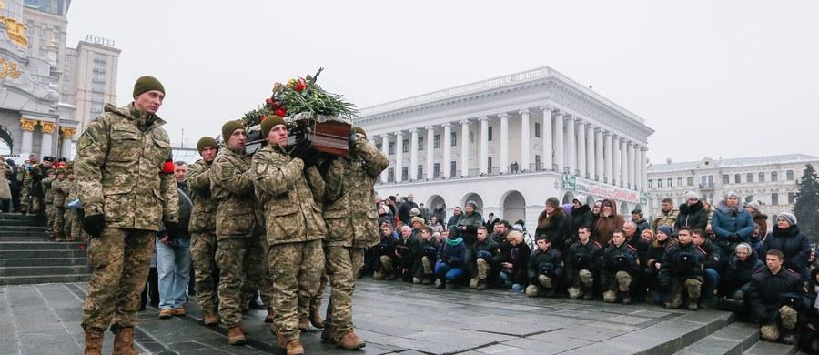 Ukraińscy żołnierze i mieszkańcy Awdijiwki dostają wiadomości z pogróżkami - informują agencja UNIAN. Przypomina to sytuację sprzed dwóch lat, kiedy do podobnych akcji dochodziło przed bitwą o Debalcewo.