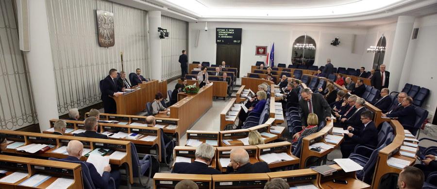 Wydzielenie tzw. małych spółdzielczych kas oszczędnościowo-kredytowych, które będą podlegać nieco innym procedurom nadzorczym ze strony Komisji Nadzoru Finansowego zakłada nowelizacja ustawy o SKOK-ach, którą bez poprawek przyjął Senat. Za ustawą zagłosowało 60 senatorów, 11 było przeciw, 13 się wstrzymało.