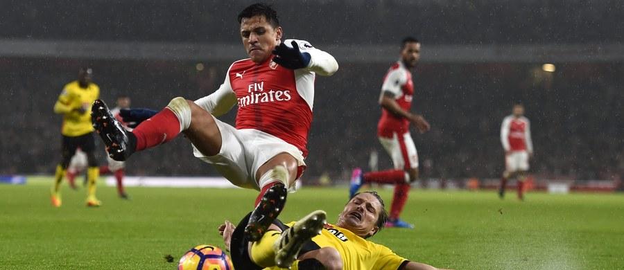 W 24. kolejce angielskiej ekstraklasy szlagierowo zapowiadają się sobotnie derby Londynu, w których prowadząca w tabeli Chelsea podejmie Arsenal. Uwagę polskich kibiców przyciąga mecz Hull City z Liverpoolem. W drużynie gospodarzy może zadebiutować Kamil Grosicki.