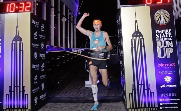 Piotr Łobodziński wygrał międzynarodowy bieg po schodach na nowojorski wieżowiec Empire State Building. Pokonanie 1576 stopni zajęło Polakowi 10 minut i 31 sekund. Drugiego na mecie, ubiegłorocznego triumfatora Australijczyka Darrena Wilsona, wyprzedził o 12 sekund.