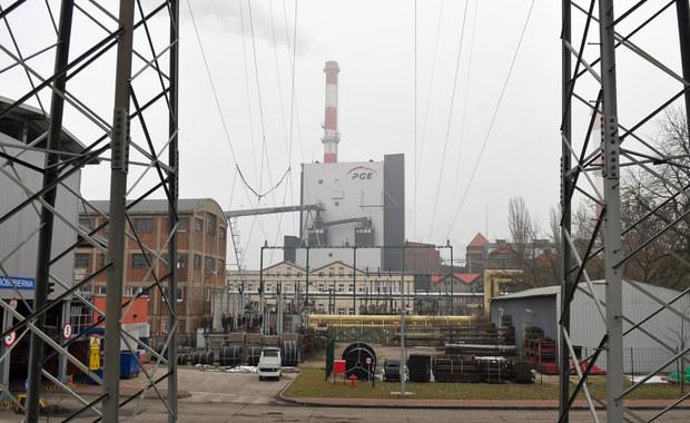 12 osób zatrzymanych ws. korupcji przy dostawach biomasy do Elektrowni Szczecin usłyszało zarzuty. Chodzi m.in. o udzielanie i przyjmowanie korzyści majątkowych i działalność w zorganizowanej grupie przestępczej.