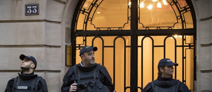 Egipskie MSW otrzymało potwierdzenie z ambasady w Paryżu, że uzbrojony w maczetę mężczyzna, który w piątek rano chciał wejść do paryskiego Luwru i został postrzelony przez francuskich żołnierzy, jest Egipcjaninem - podały egipskie źródła bezpieczeństwa. Według źródeł związanych ze śledztwem prowadzonym w Paryżu mężczyzna przybył do Francji pod koniec stycznia.