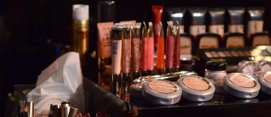 Stworzenie rejestru zakładów produkujących i paczkujących kosmetyki oraz systemu informowania o niepożądanych działaniach kosmetycznych - to niektóre rozwiązania zawarte w projekcie ustawy o produktach kosmetycznych, który trafił do konsultacji.