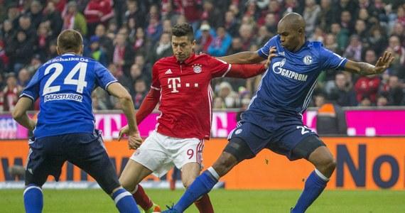 Robert Lewandowski zdobył bramkę dla Bayernu Monachium, który zremisował u siebie z Schalke Gelsenkirchen 1:1 (1:1) w 19. kolejce niemieckiej ekstraklasy. To jego 15. gol w obecnym sezonie ligowym. Bawarczycy pozostali liderami.