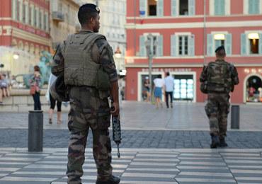 Francja: Żołnierze poszli do McDonalda, w tym czasie ktoś ukradł im broń