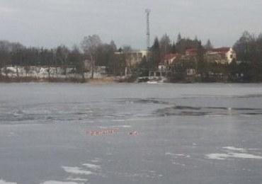Na jeziorze Święcajty pod samochodem załamał się lód. Mężczyźni byli pijani