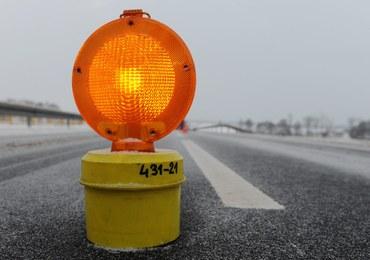 """Seria wypadków na krajowej """"63"""". Jazdę utrudniał marznący deszcz"""