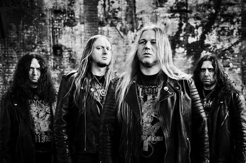 Grupa Azarath, jedna z najbardziej piekielnych hord w dziejach polskiego death / black metalu, podpisała nowy kontrakt.