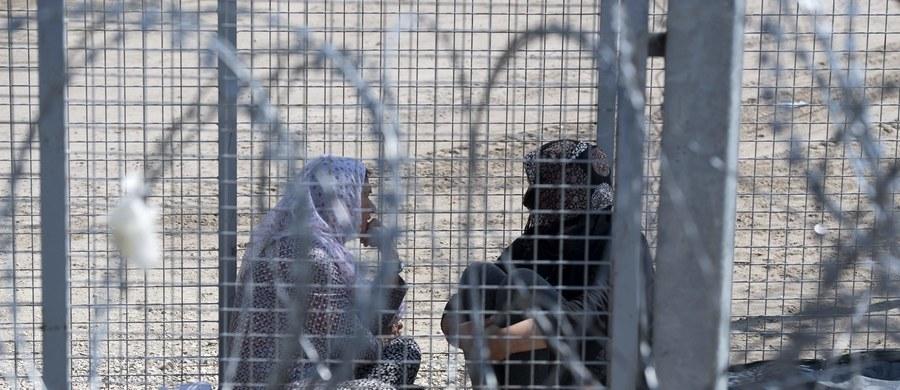 """40 procent Włochów uważa, że imigranci są zagrożeniem dla porządku publicznego i bezpieczeństwa - wynika z sondażu zaprezentowanego przez dziennik """"La Repubblica"""". Wynik ten wiąże się z aktami terroryzmu w Europie i rekordową falą migracyjną."""