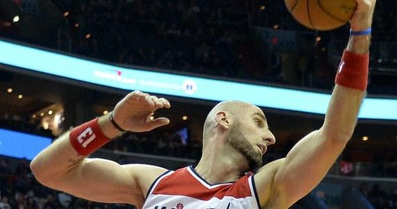 Marcin Gortat zdobył 16 punktów, ale jego Washington Wizards w meczu koszykarskiej ligi NBA przegrali u siebie po dogrywce z broniącymi tytułu Cleveland Cavaliers 135:140.