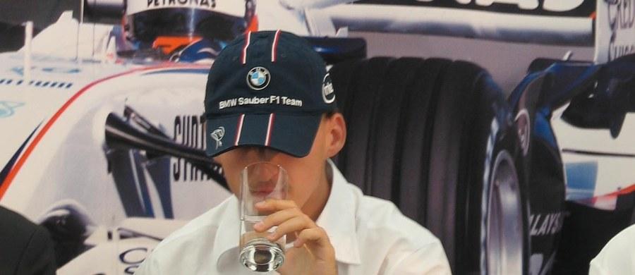 Nico Rosberg skomentował wypowiedź Roberta Kubicy, w której polski kierowca stwierdził, że jest gotowy wsiąść do bolidu Formuły 1 i wziąć udział w testach. Aktualny mistrz świata F1 ma nadzieję, że Polaka na testy zaprosi któryś z topowych zespołów.