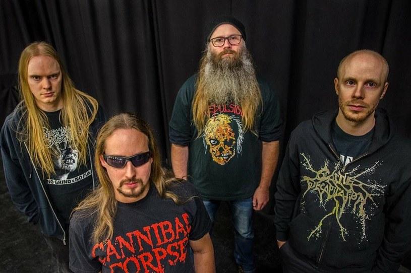 Szwedzi z Deranged zmielili wokalistę.
