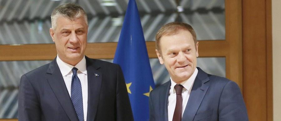 """""""Rząd podejmie decyzję w sprawie ewentualnego poparcia kandydatury Donalda Tuska na przewodniczącego Rady Europejskiej, oceniając także jego zasługi dla kraju;  ja mam jedno oczekiwanie: żeby Polska miała z tego korzyść, że ktoś takie stanowisko zajmuje"""" - powiedział prezydent Andrzej Duda."""