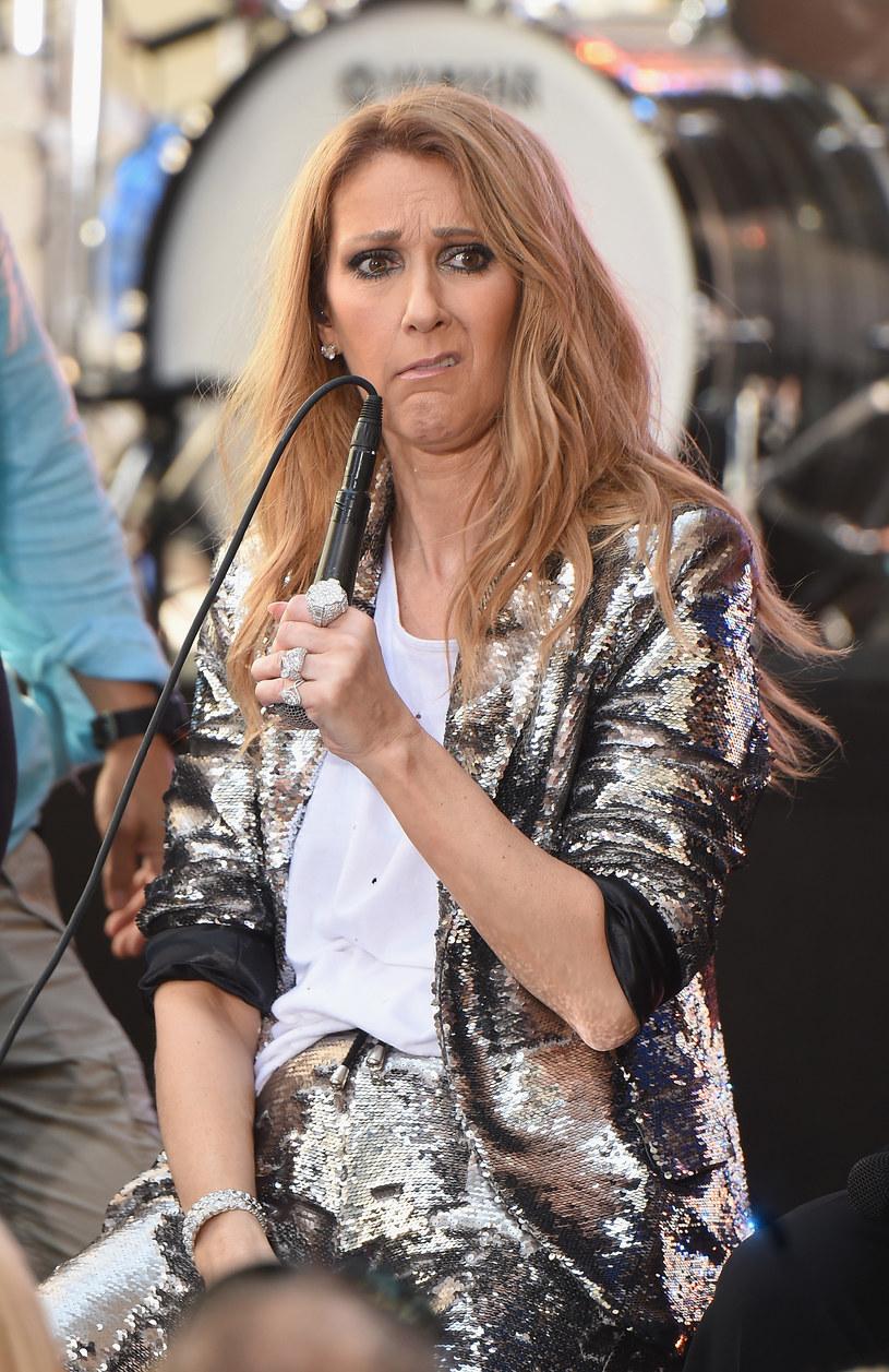 Kanadyjska wokalistka nie potrafiła powstrzymać emocji, kiedy to została świadkiem oświadczyn na backstage'u. Jej zdjęcia robią furorę w sieci.