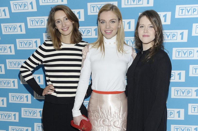 """""""Wojenne dziewczyny"""" to nowy serial, opowiadający o trzech młodych Polkach, których losy u progu dorosłego życia splatają się w okupowanej Warszawie. Produkcja zadebiutuje 5 marca na antenie TVP1."""