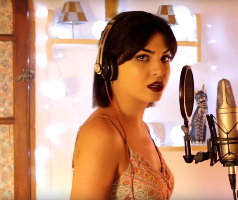 Yanina Chiesa, która co jakiś czas zachwyca internautów swoimi umiejętnościami wokalnymi, powraca z kolejną porcją naśladowanych głosów największych gwiazd muzyki. Oprócz wokalistek tym razem w jej repertuarze znalazł się również Zayn Malik.