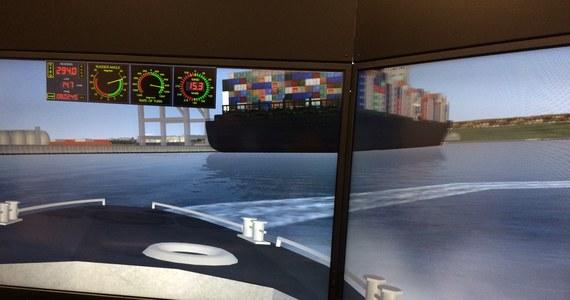 Supernowoczesny symulator kierowania statkiem dostali do dyspozycji studenci Akademii Morskiej w Szczecinie. Będą się na nim szkolić studenci Wydziału Nawigacyjnego, przyszli oficerowie i kapitanowie statków.