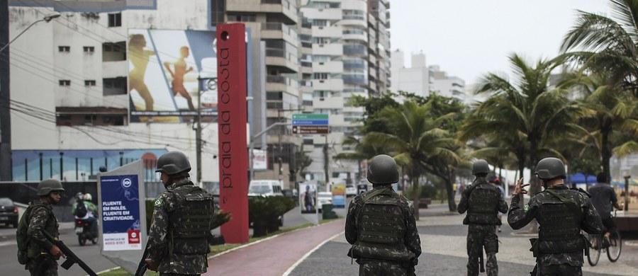 W trwających od 6 dni zamieszkach w stanie Espirito Santo w południowo-wschodniej części Brazylii zginęło już 100 osób – podały władze. Starcia rozpoczęła się, gdy policja ogłosiła strajk. Szczególnie gwałtowny przebieg miały miejsce w Vitorii – stolicy stanu.