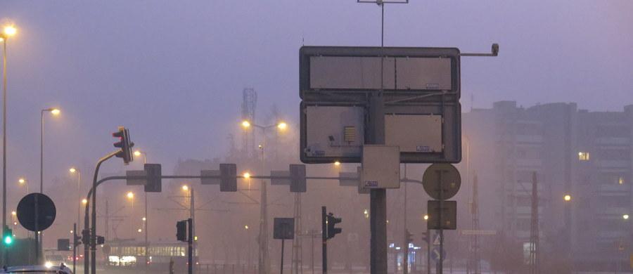 Będzie kolejny pozew przeciwko Polsce w sprawie smogu. Organizacje ekologiczne i miejskie szykują skargę do Komisji Europejskiej dotyczącą zanieczyszczenia powietrza szkodliwym i rakotwórczym benzo[a]pirenem – ustalił reporter RMF FM Grzegorz Kwolek.