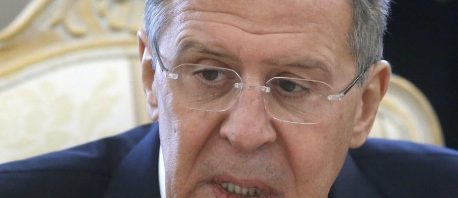 Szef rosyjskiego resortu spraw zagranicznych Siergiej Ławrow ocenił, że działania NATO w regionach przylegających do granic Rosji mają charakter prowokacyjny. Powtórzył też, że system obrony przeciwrakietowej USA władze w Moskwie uważają za skierowany przeciwko Rosji.