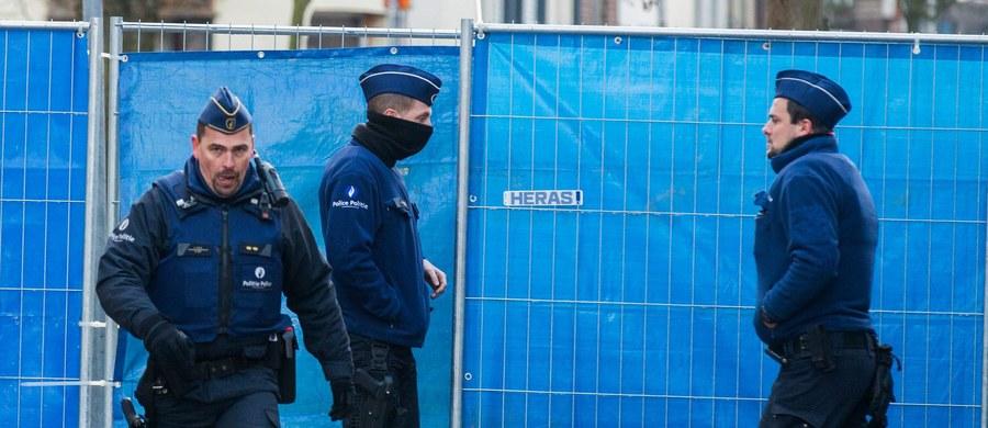 Belgijski parlament przegłosował ustawę, dzięki której władze będą mogły wydalać z kraju cudzoziemców, nawet jeżeli urodzili się w Belgii. To element walki z bojownikami islamskimi powracającymi do kraju po ostatnich klęskach poniesionych przez Państwo Islamskie.