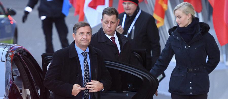 Szef MSZ Słowenii Karl Erjavec powiedział w Moskwie, że nie odnosi się entuzjastycznie do nałożonych przez Unię Europejską sankcji, i wyraził przekonanie, że rozwiązywanie kryzysów międzynarodowych nie jest możliwe drogą restrykcji gospodarczych. Jego zdaniem, trudne kwestie można rozwiązywać tylko poprzez dialog.