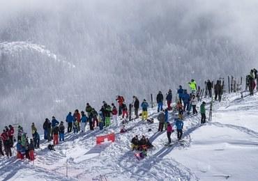 Helikopter dostarczył przekąski zawodnikom czekającym na start w St Moritz