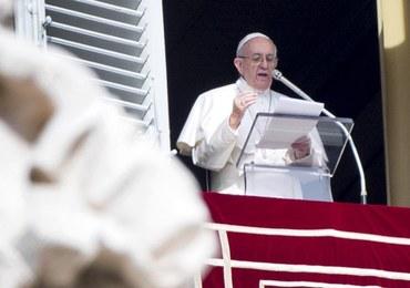 Papież do wiernych: Nie patrzcie wzrokiem pożądania na kobietę innego