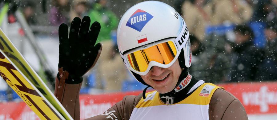 Kamil Stoch, który wygrał niedzielny konkurs Pucharu Świata w skokach narciarskich w Sapporo jest zdecydowanym liderem listy zarobków w tym cyklu. Po 22 z 33 zawodów na jego koncie znajduje się 138 500 franków szwajcarskich (ok. 570 tys. zł).